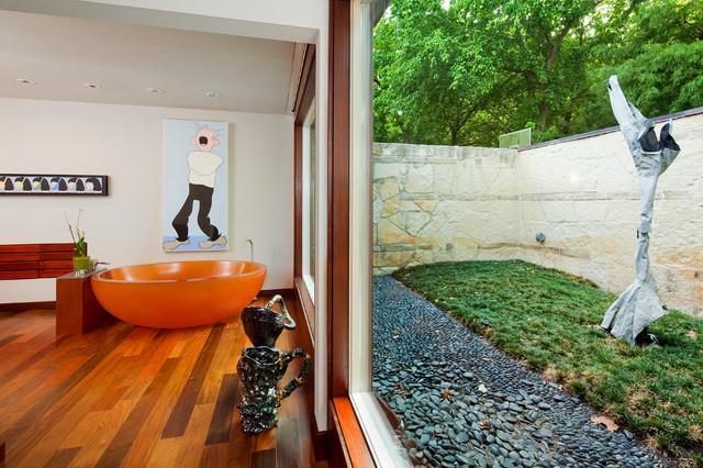 Lake Austin Water Front Property modern-bathroom
