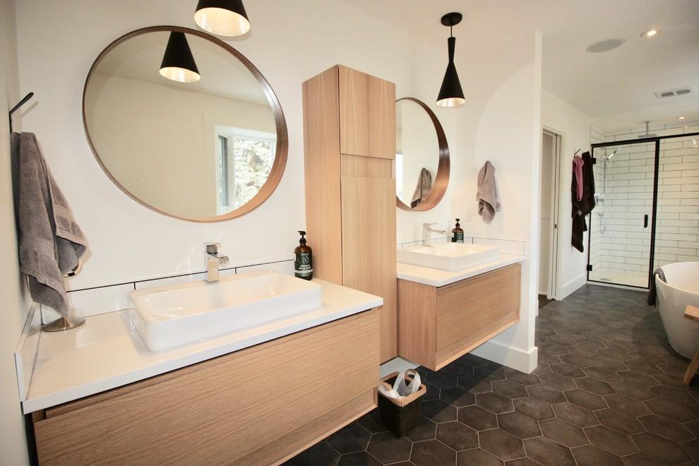 Lake Bonavista whole home renovation - Contemporary ...