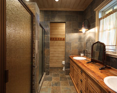 Lake Chatuge Fishing Lodge rustic bathroom
