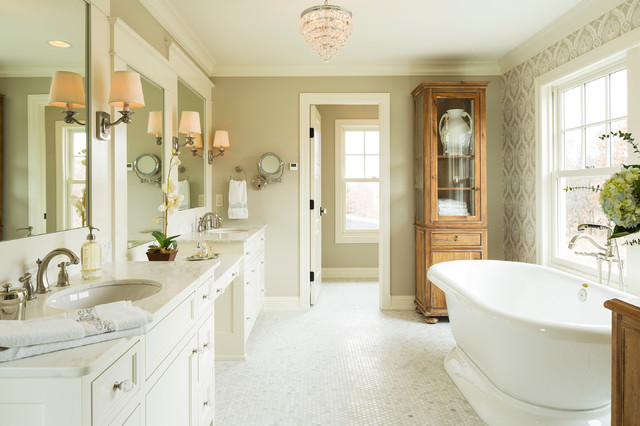 Lake Elmo Greek Revival Farmhouse Farmhouse Bathroom