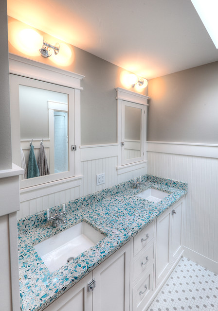 Lake Home Beach Style Bathroom Other Metro By