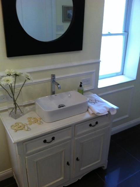 lake shore drive/belmont contemporary-bathroom