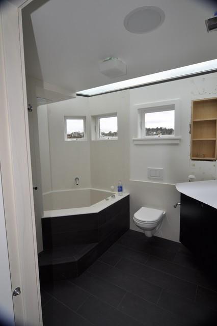 Lake Union Floating Home 3 contemporary-bathroom