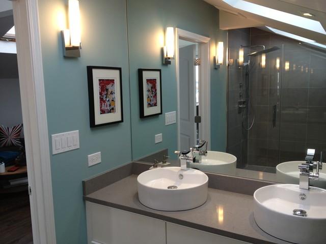 Lakeview loft bathroom modern-bathroom