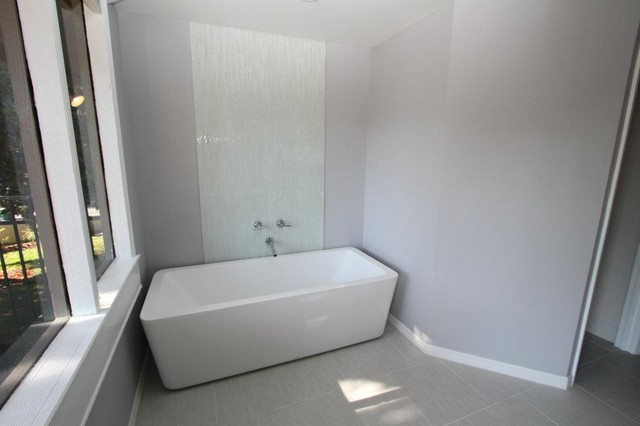 Landmark Drive modern-bathroom