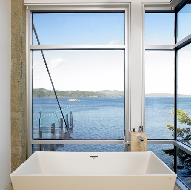 Landsend - Ensuite contemporary bathroom