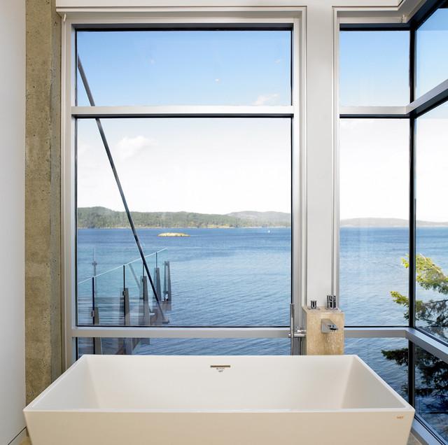Landsend - Ensuite beach-style-bathroom