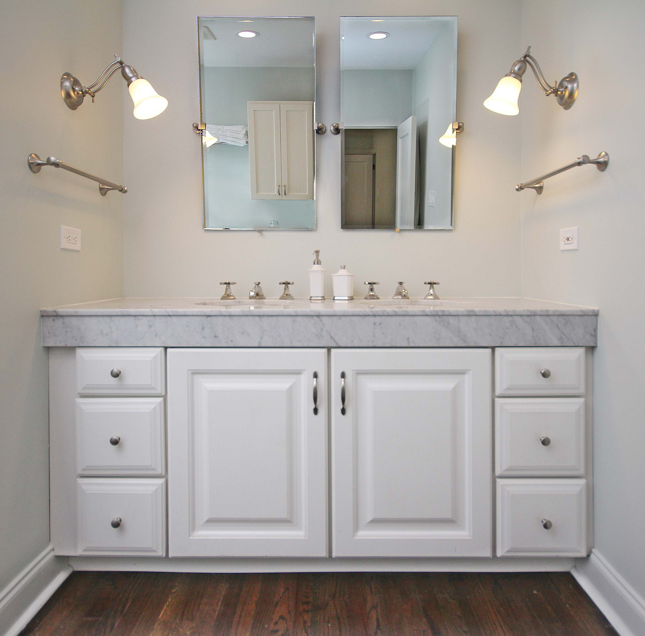 Large Traditional Master Bathroom in Chicago's Uptown