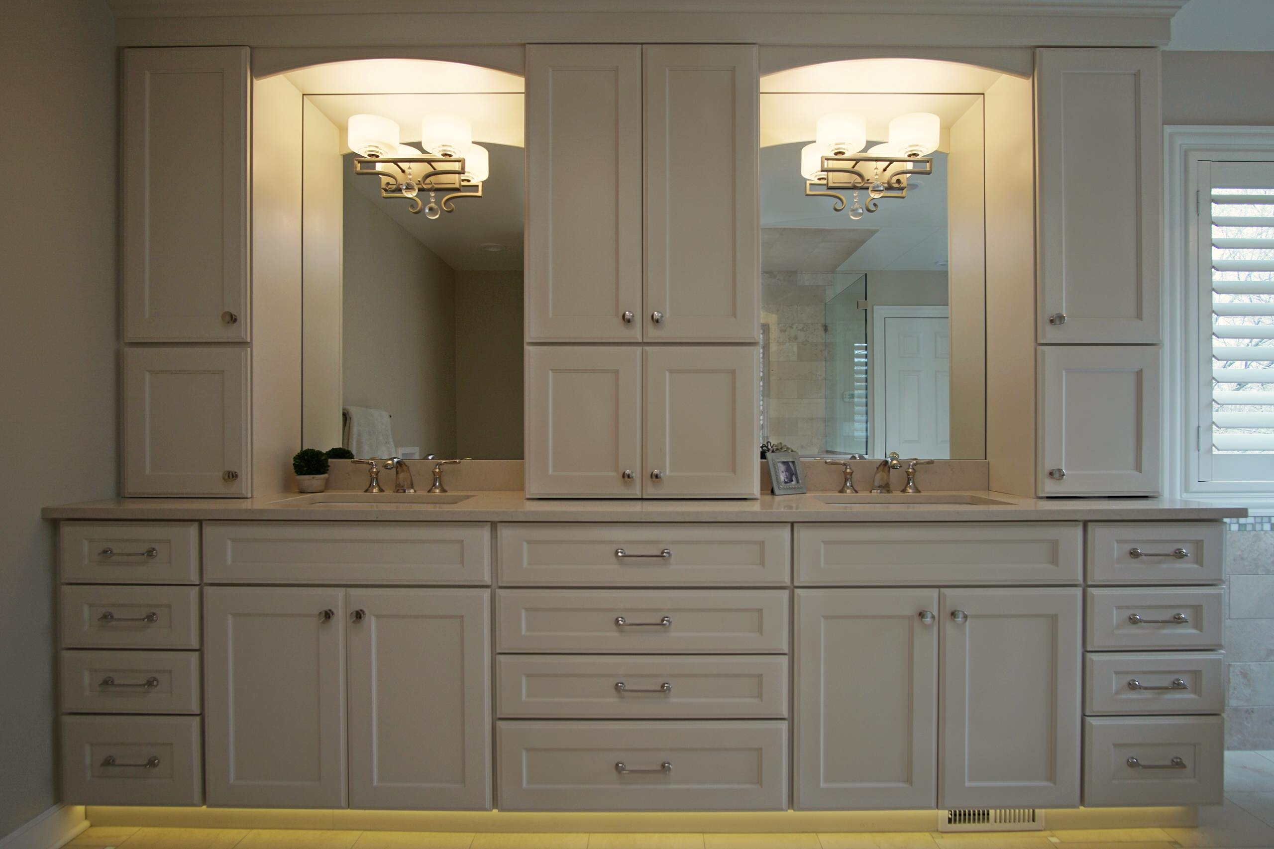 Large Transitional Master Bathroom in Palatine