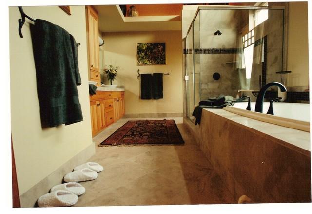 Las Ventanas Rojas contemporary-bathroom