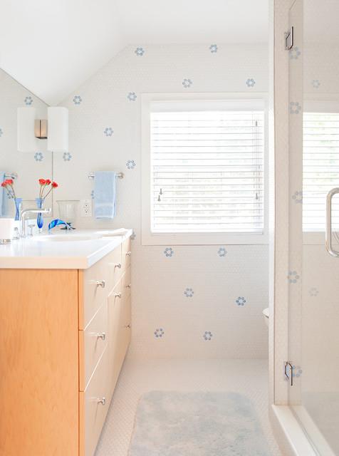 Laura Mannes Design eclectic-bathroom