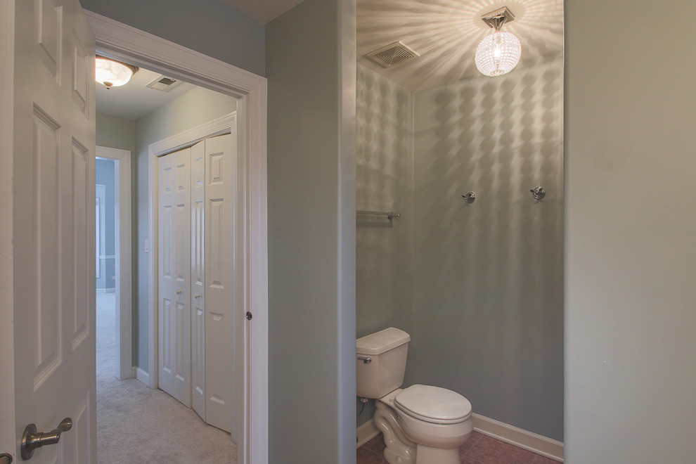 Example of a classic bathroom design in Chicago