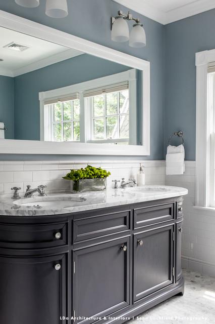 LDa Architecture & Interiors traditional-bathroom