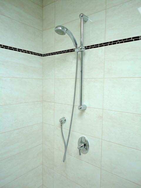 Leaside Double Shower Ensuite - Toronto contemporary-bathroom