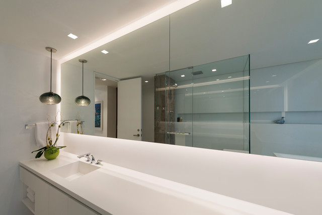 Led soft strip by edge lighting contemporary bathroom for Bathroom strip light