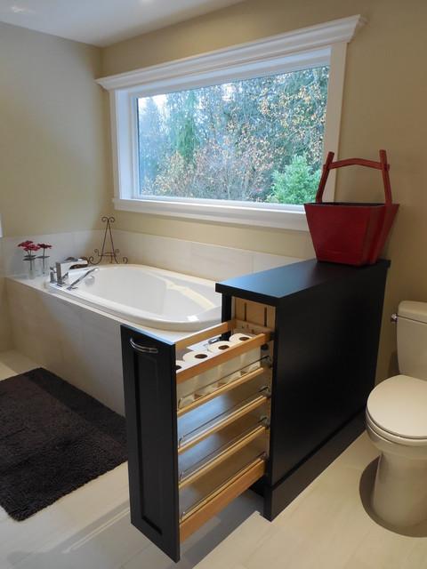 Ledgeview residence traditional-bathroom