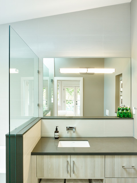 Lee Residence contemporary-bathroom