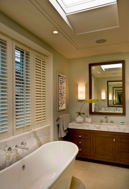 Leed certified home in the city traditional bathroom for Bathroom design leeds