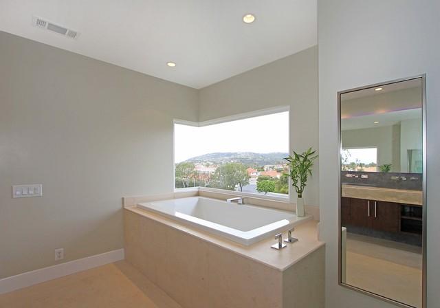 Leeward Remodel contemporary-bathroom