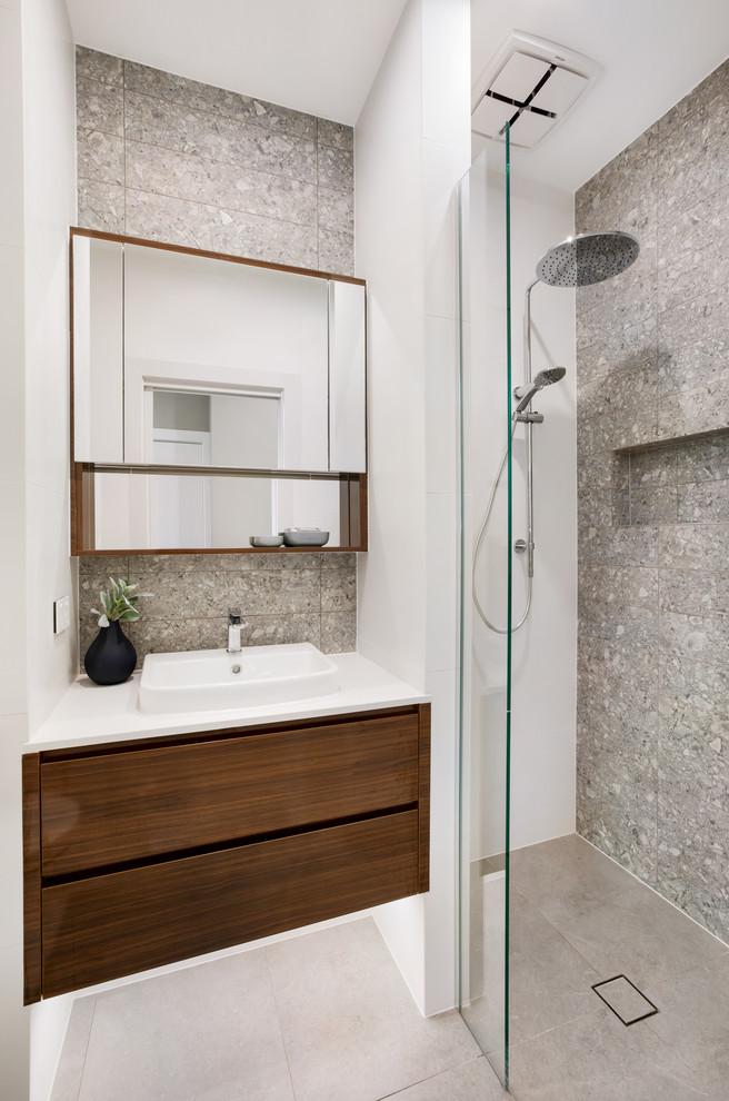 Photo of a contemporary bathroom in Sydney.