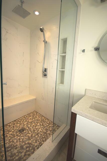 Leslieville Bathroom - Toronto contemporary-bathroom