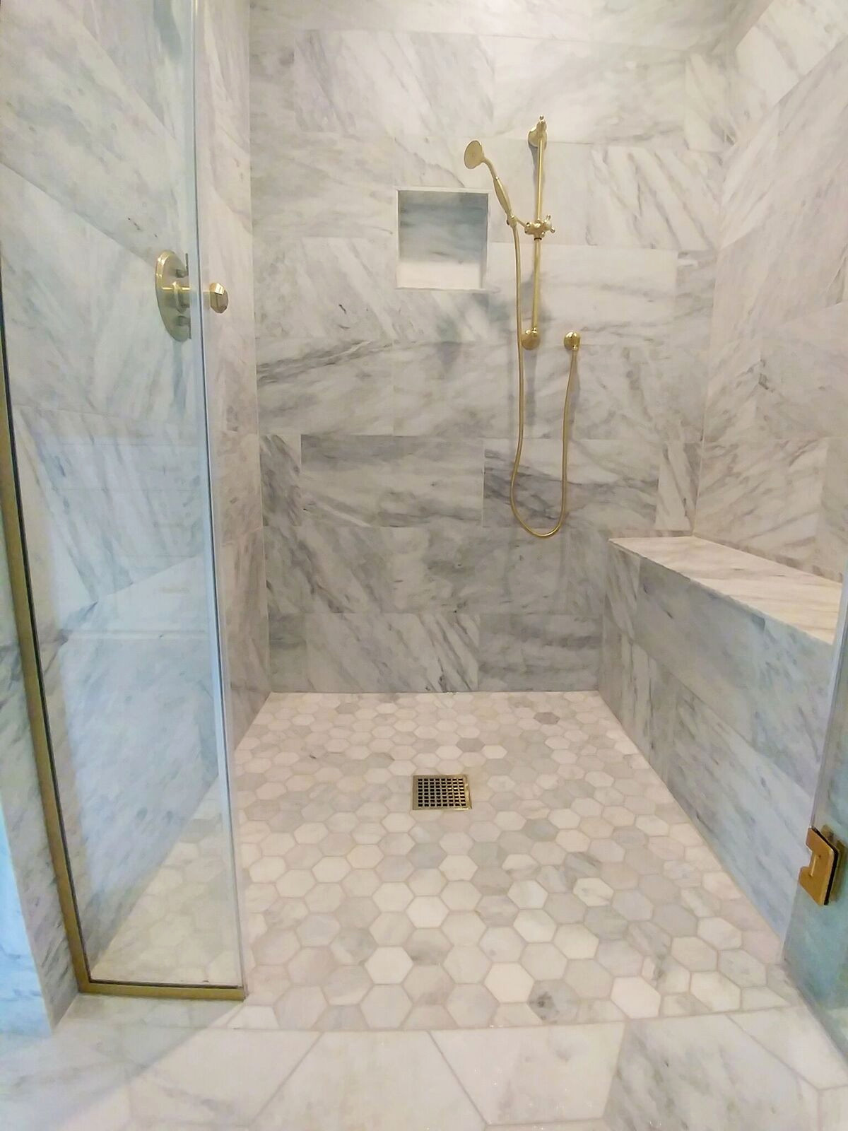 Level Entry / Curb-less Showers