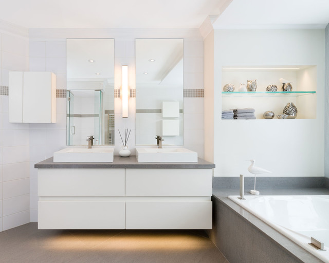 Ligthened vanity contemporary bathroom montreal by - Salle de bain contemporaine photo ...