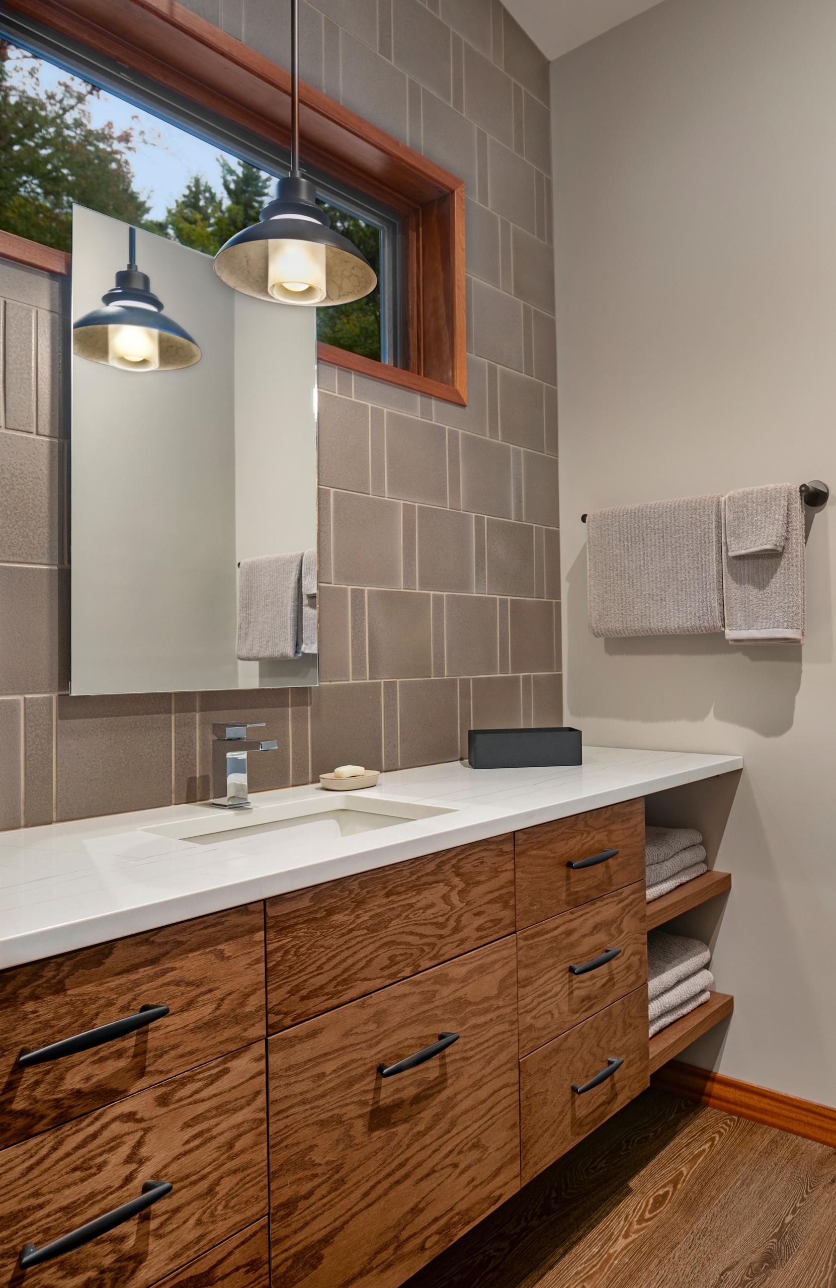 12 Beautiful Mid-Century Modern Medium Tone Wood Floor Bathroom
