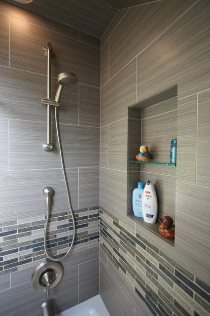 Lincoln Park Condo contemporary-bathroom