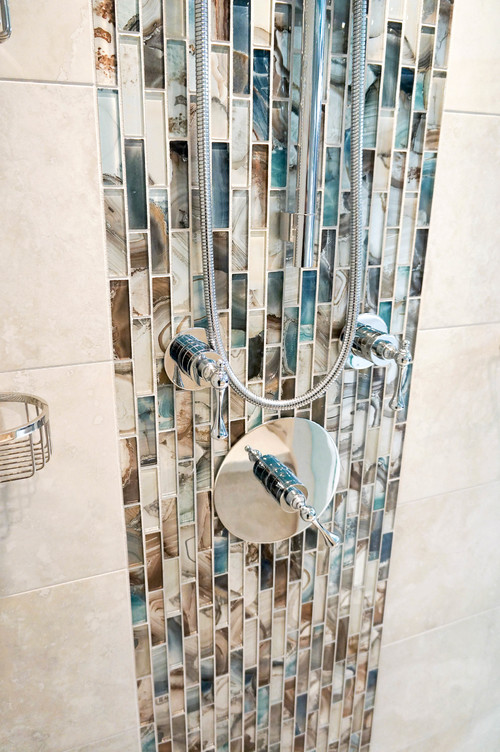 Well known Waterfall tile in shower KU69