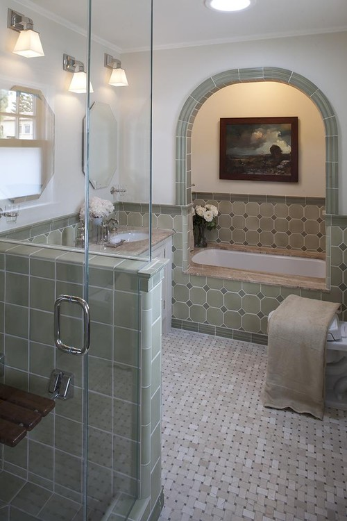 Lindy Donnelly traditional bathroom
