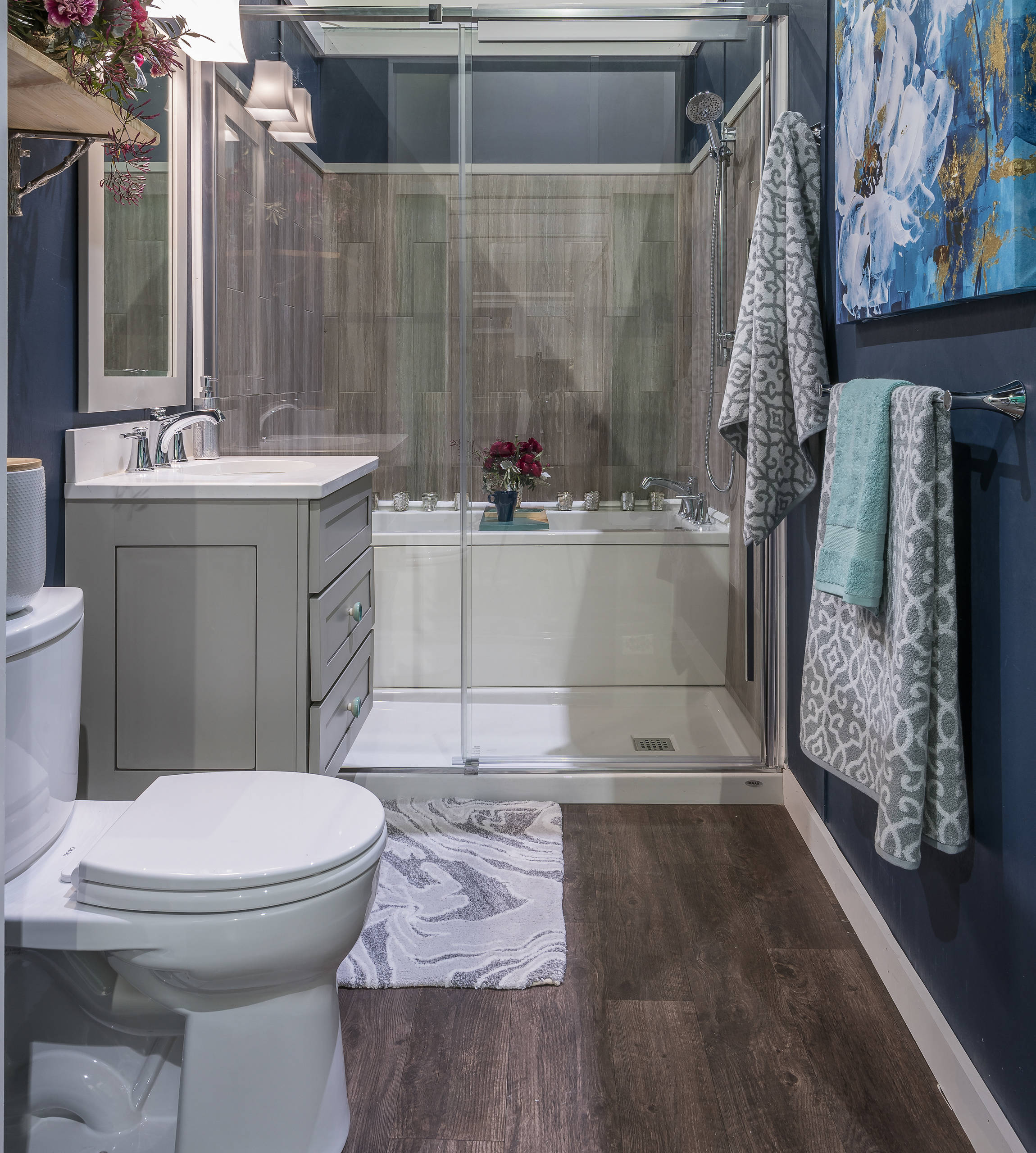 75 Beautiful Dark Wood Floor Bathroom With Gray Cabinets Pictures Ideas February 2021 Houzz