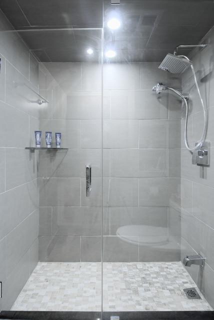 LIVE, PLAY & CREATE traditional-bathroom