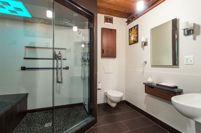 Locker Room-Spa Basement Bathroom