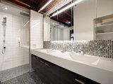 contemporary bathroom Bathroom Countertops 101: The Top Surface Materials (7 photos)
