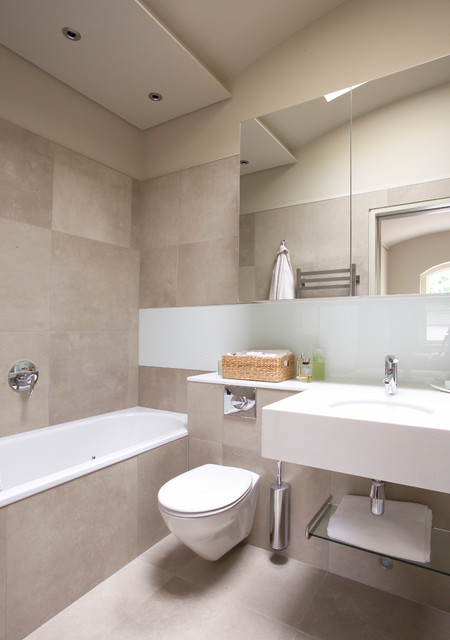 London Residencebat Contemporary Bathroom