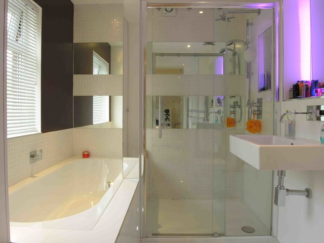 London Town Home contemporary-bathroom