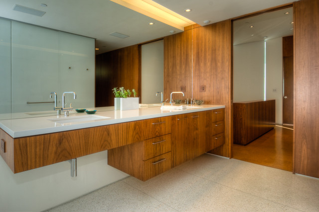Lookout Residence modern bathroom