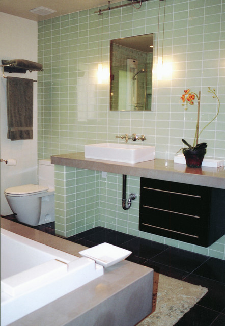 Lori Gilder of Interior Makeovers Inc. contemporary bathroom