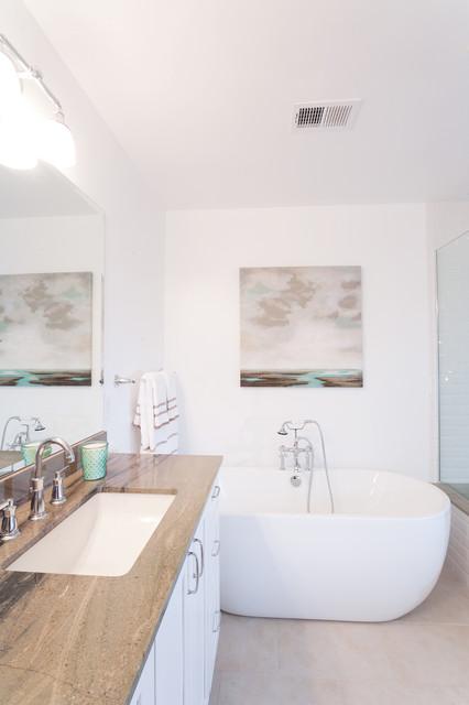 Los Angeles Beach Spa Bathroom 110 Beach Style