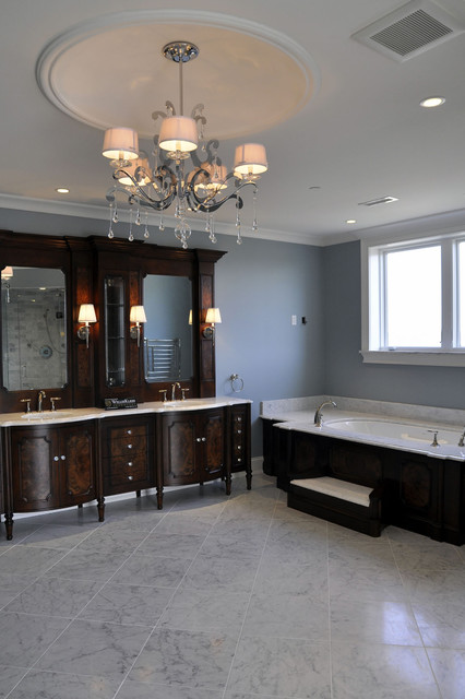 Louisville traditional-bathroom