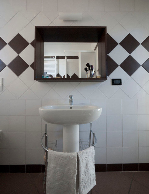 Low Cost Bathroom Renovation Modern Bathroom Milan By Liadesign - Low cost bathroom tiles