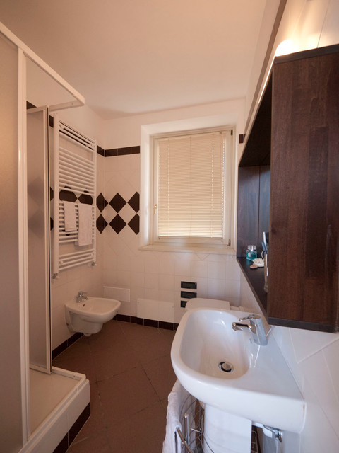 Low cost bathroom renovation modern bathroom other for Low cost bathroom remodel