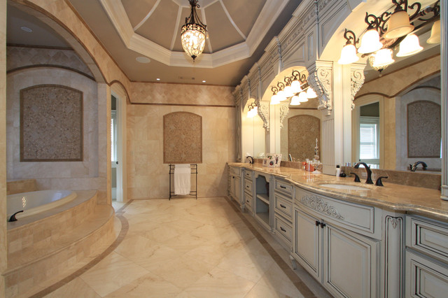 Luxury custom bathrooms for Custom master bathroom designs