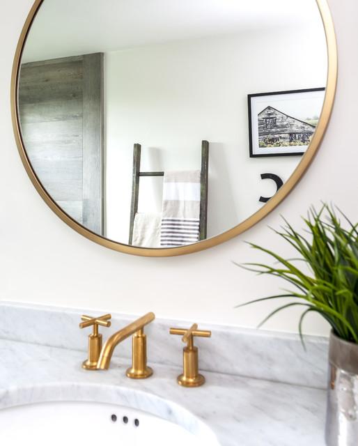 Luxury Farmhouse Interior Design: Luxury Farmhouse Bathroom