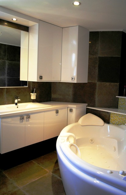 Luxury private residence contemporary-bathroom