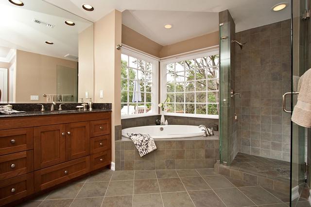 Luxury Spa Tub Bathroom Remodel Klassisch Badezimmer Los Angeles Von One Week Bath Inc