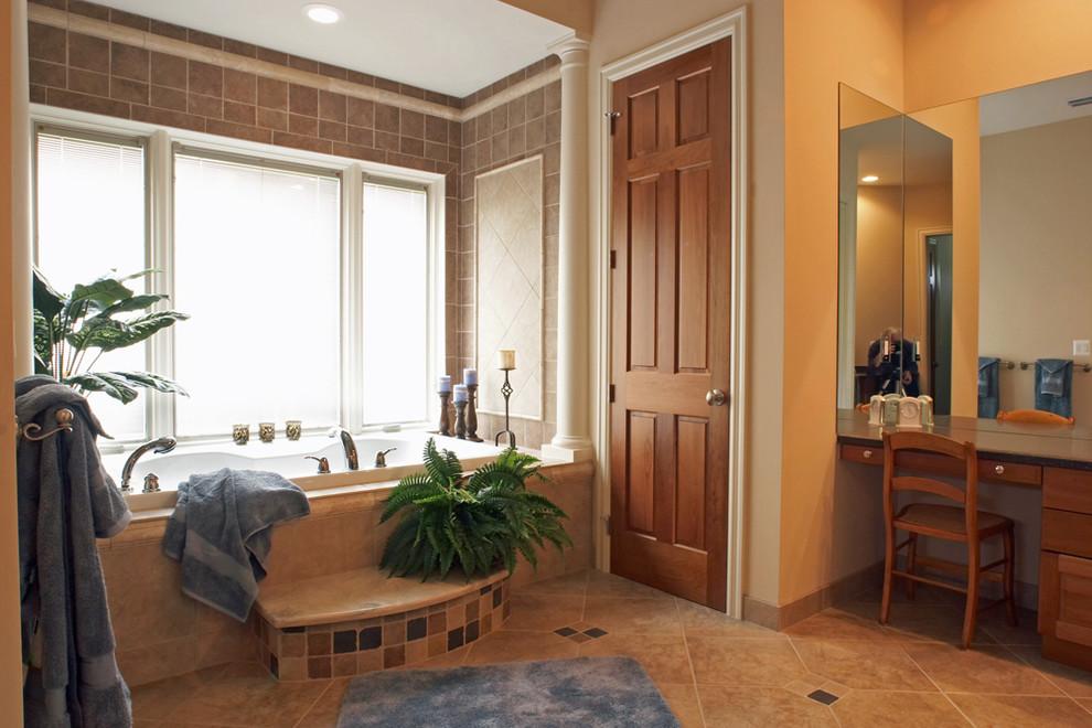 Inspiration for a timeless bathroom remodel in Detroit