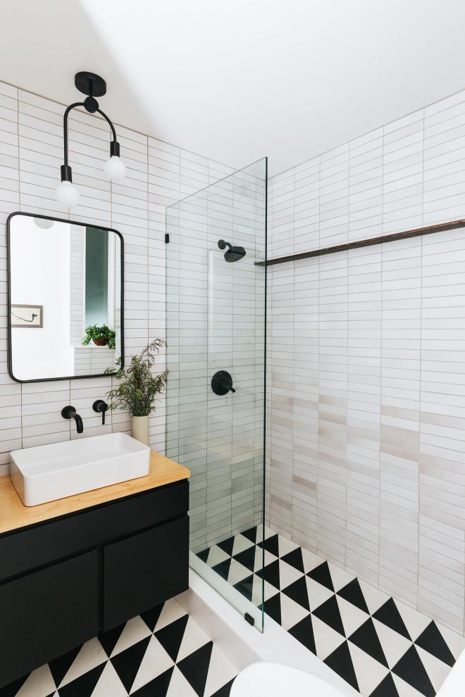 Bathroom - scandinavian bathroom idea in San Francisco