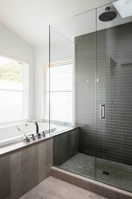 Magnusson residence contemporary bathroom vancouver for Bathroom design vancouver
